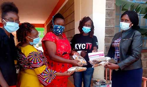Kenyan ladies with Covid-19 face coverings